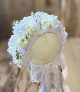 Nr.: 5 Flowerbonnet weiß, für Sitter