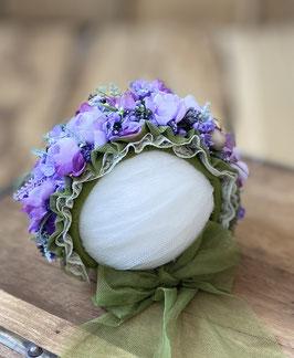 Flowerbonnet für Newbornbabys in lila