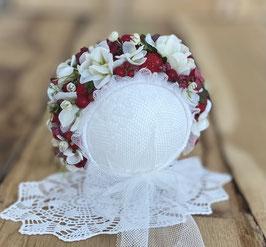 Nr.: 5 Flowerbonnet weiß, mit Erdbeeren, für Newborn