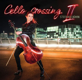 Stefanie John - Cello crossing II