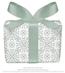 3 Bögen Geschenkpapier groß - Ornamente - grün weiß