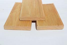 Terrassendielen aus sibirischer Lärche geriffelt 20 x 90 mm 4 m A/B Sortierung