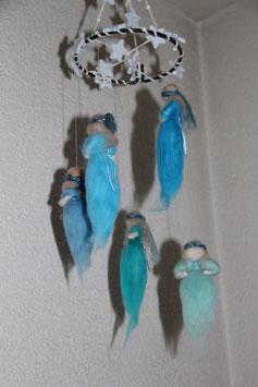 EINZELSTÜCK: Mobilé «Elfen» fürs Kinderzimmer (blau)