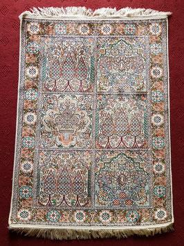 Silk on cotton Handknotted Carpet KT-SLKCTN555