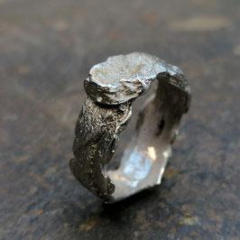 Silber-Ring mit Rindenstruktur