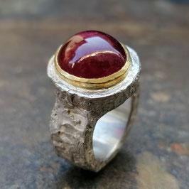Kräftiger Silber-Ring mit Rubin