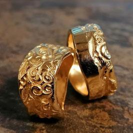 Romantische Gelbgold Ehe-/Partnerringe