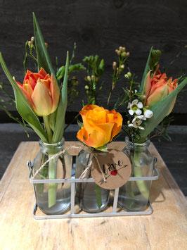 3er Glas mit Frühlingsblumen