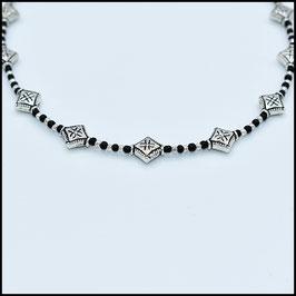 Silver rhomb choker - Black