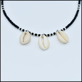 Triple shell necklace - black