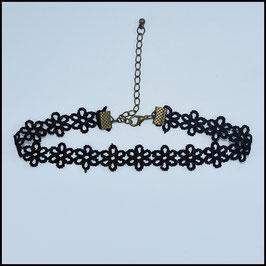 Black laced choker model 2