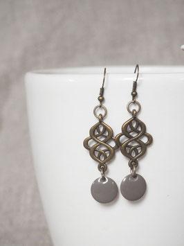 Boucles d'oreilles arabesques grises