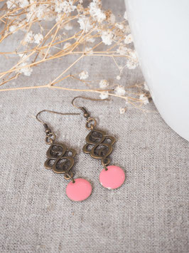 Boucles d'oreilles arabesques roses