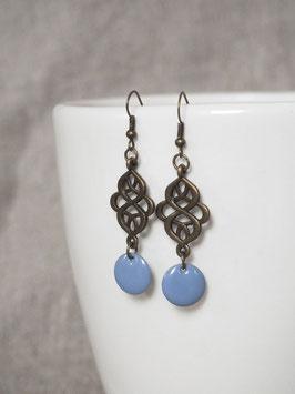 Boucles d'oreilles arabesques bleu lavande