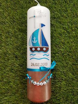Taufkerze Boot TK314-U Hellblau-Türkis-Dunkelblau Holoflitter / Untergrund Braun