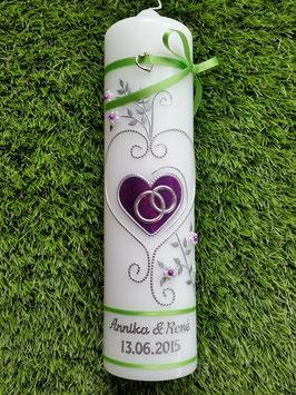 Hochzeitskerze HK208 Klassisch Brombeerlila Flitter/Apfelgrüne Bänder