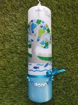 Taufkerze TK401-U Lebensbaum mit Herzen, Kleeblatt, Fische, Wasser & Buchstabenkette Türkis-Dunkelblau-Hellblau-Grasgrün-Apfelgrün-Silber Holoflitter