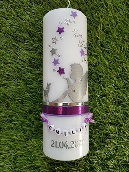 Patenkerze SK154-b SCHUTZENGEL mit Bambi in Silber-Brombeerlila-Flieder Holoflitter & Buchstabenkette