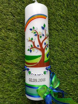 Taufkerze Lebensbaum mit Buchstabenkette Dunkelblau-Grasgrün TK 400 / Regenbogen