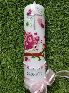 Taufkerze Schmetterling TK183 in Pink-Rosa mit Buchstabenkette/Rosa Satinschleife