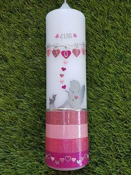 Taufkerze Schutzengel sitzend TK154-1-U mit Untergrund / Altrosa-Rosa-Fuchsia-Pink Holoflitter / Herzchenkette