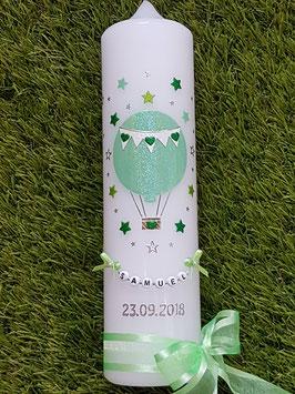 Taufkerze TK105 Heißluftballon in Zartmint-Apfelgrün-Grasgrün Holoflitter / Sterne rundherum