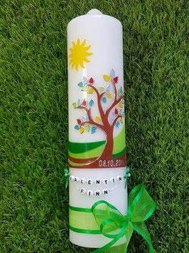 Taufkerze  Lebensbaum mit Buchstabenkette & Grasgrünes Satinband TK400