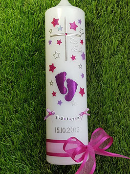 Taufkerze TK096 Große Füsschen Pink-Brombeerlila-Flieder Holoflitter mit Silber