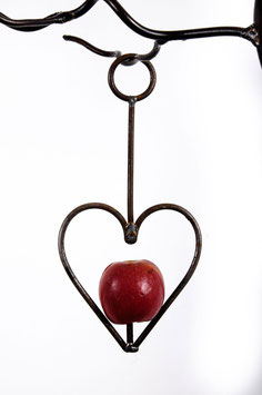 Heart apple/fatball bird feeder in rustic steel