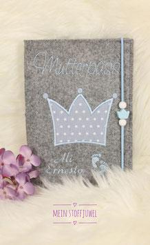 Mutterpasshülle Krone hellblau mit Namen des Babies