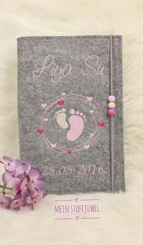 Personalisierte U-hefthülle Kreiselfuß mit Geburtsdatum und 3 Perlen, rosa, creme, pink (Bsp. Liya-Su)
