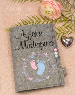 Mutterpasshülle personalisiert Schönschrift Mutterpasss, rosa, hellblaue Füßchen (Bsp. Ayfer)