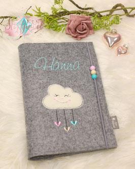 Personalisierte U-hefthülle Wolke mit Herzchen Schrift mint