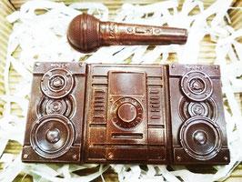 Шоколадный магнитофон с микрофоном