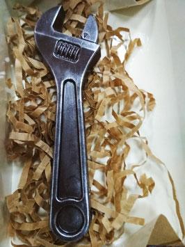 Гаечный ключ. Шоколадные инструменты