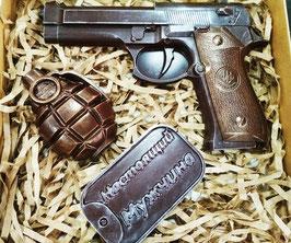 """АКЦИЯ! Большой пистолет+граната+жетон """"Настоящий мужчина"""". """"Суровый Сибирский шоколад для Настоящих Мужчин"""""""