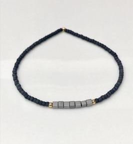 Filigrane Armbänder mit kleinen Perlen