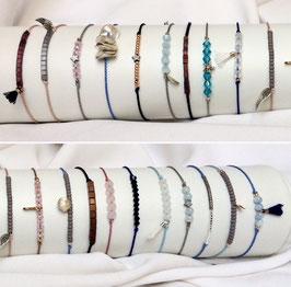 Minimalistische Armbänder aus Seide, mit Edelsteinen, Aquamarin, Rosenquarz und Hämatit