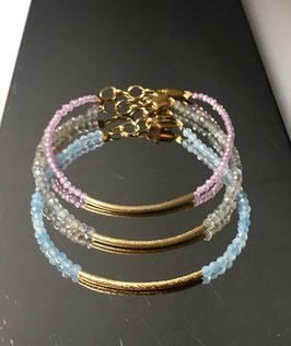 Armband aus Aquamarin, Labradorith und Rosenquarz mit 925 Silber vergoldeter Tube in der Mitte