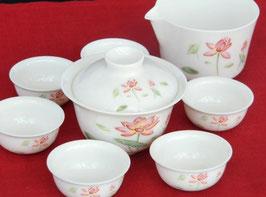 携帯ポーチ付き 蓋碗・茶海・茶杯6客 愛らしいハスの花図柄 591