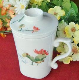 茶漉し付きマグカップ300mlタイプ 浮彫り風手描き蓮柄 408