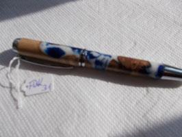 Füllfeder Kalifornische Weinrebe mit blau-weißem Kunstharz