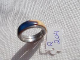 Ring aus Canistelmaser mit Kunstharz