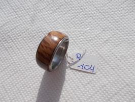 gedrechselter Ring aus Steineiche