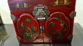 Antiker asiatischer Schmuckkasten