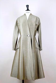 ELÉGANCE PARISIENNE Coat
