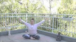 Slow Yogaflow für Kraft und Beweglichkeit im Hüft- und Beckenbereich