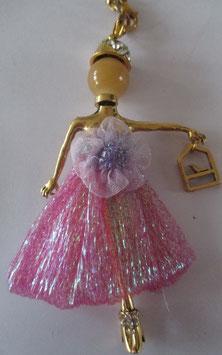 Valentina in glitzernder rosa Abendrobe