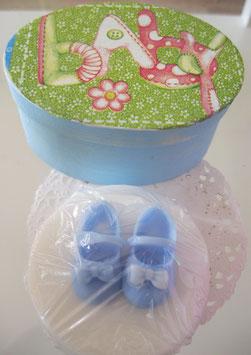 Baby-Schuhseife in Spanschachtel