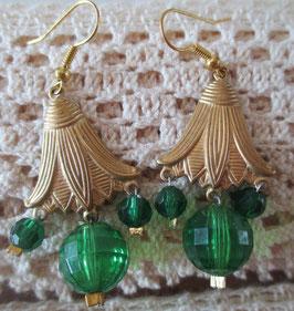 Vintage-Glockenblumen-Ohrringe grün